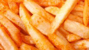 Receta patatas fritas picantes al horno