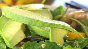 Receta ensalada con mango y aguacate