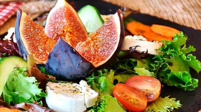 Receta ensalada con mozzarella, higo y jamón ibérico