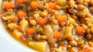 Receta de lentejas con patata y zanahoria
