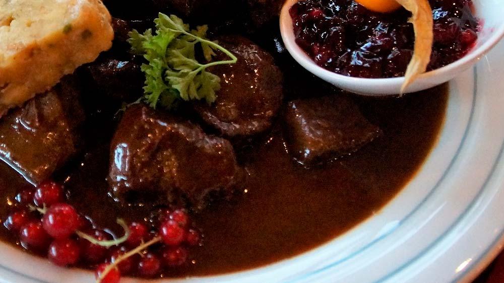 Receta de somillo de ternera en salsa de frutos rojos