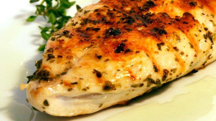 Receta de pechuga de pollo con lima y enebro