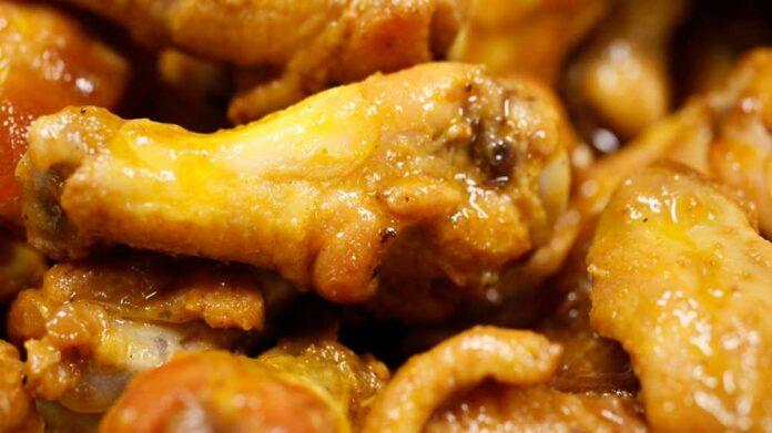 Receta de muslos de pollo al horno y vino blanco