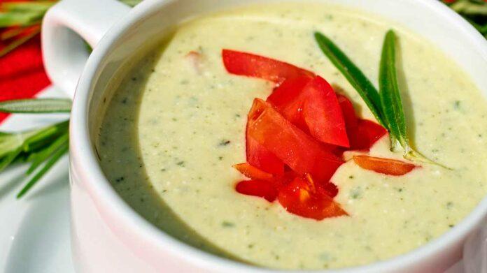 Receta de sopa cremosa de brócoli y queso