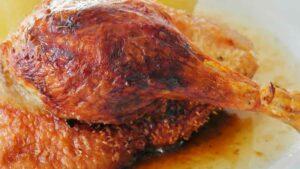 Receta de muslos de pollo al horno al salmorejo canario