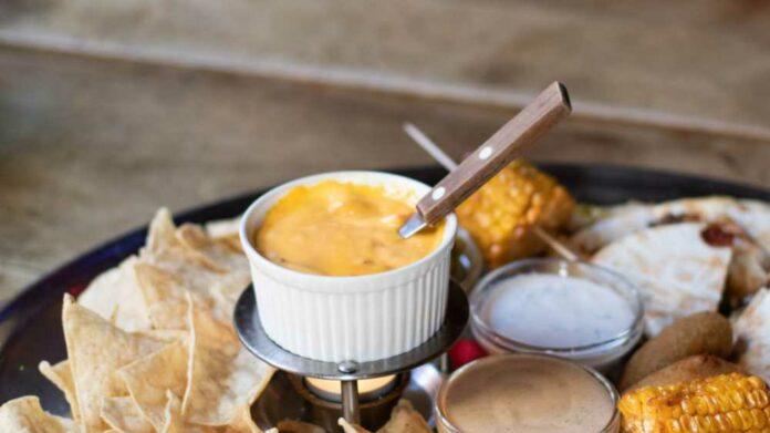 Receta de salsa de queso cheddar