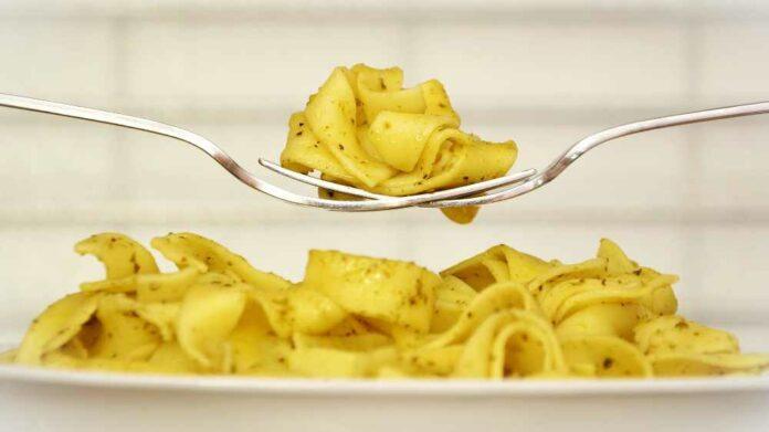 Receta de tallarinas con ajo y aceite de oliva